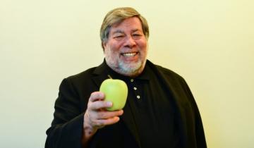Australian Crypto Startup Invites Steve Wozniak to Digital Currency [Holiday] Town