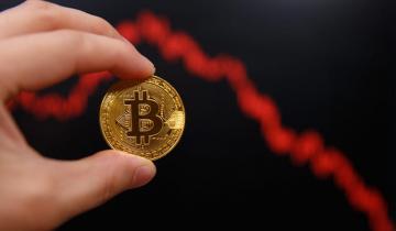 SEC Postpones Decision on VanEck Bitcoin ETF, Again