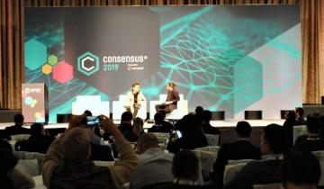 Interviewer Tough on Tron While Andrew Yang Owns the Podium at Consensus