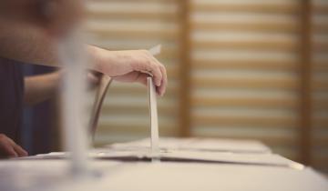 MakerDAO Fee Decrease Stalls Amid Decline in Token Holder Voting Turnout