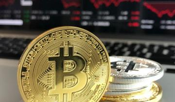 Bitcoins Tumbling Again: Nows the Time to Change the Way You Invest