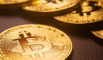 Bitcoin or Gold? Which is a preferable asset in current uncertain financial conditions?