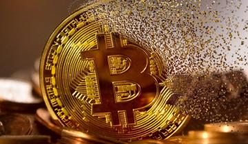 Bitcoin's Haven Status Tested by Attack on Saudi Oil Plant