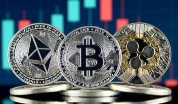 Alternative Crypto Season: Ether, XRP Rise to 1-Month Highs While Bitcoin Falls