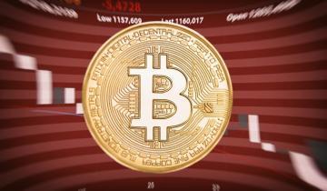 Bitcoin Breaks Below $9,000 Signaling a Further Decline