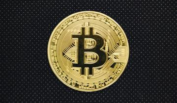 Bitcoin surges by 6% to $5.9K as buyers race to the market