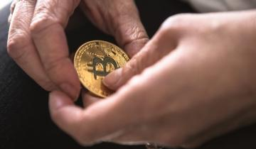 Monex to Gift Bitcoin to Shareholders as Year-End Benefit