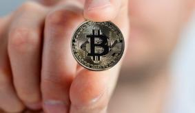 Bitcoin money laundering operator pleads guilty to feds