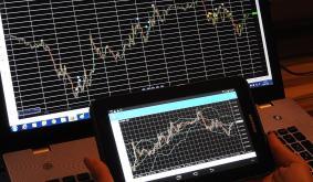 Tezos, STEEM, Crypto.com Coin Price Analysis: 13 November