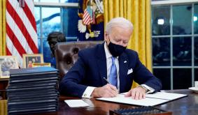 Joe Biden Freezes FinCEN's Crypto Wallet Rulemaking — US Crypto Regulations Under Review