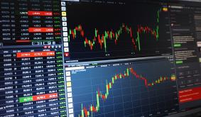 Top Crypto Trader Gives Top Altcoin Picks for Ongoing DeFi Mania