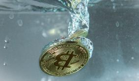 Bitcoin is at its lowest level in nearly a month. 2 experts explain why they see more weakness ahead.